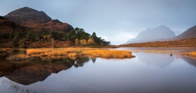 Ruhige Spiegelung, Liathach, Torridon, Schottland
