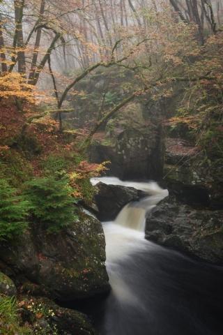 Foggy Wee Cauldron, Comrie, Perthshire, Schottland.
