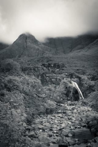 Stimmungsvolle Fairy Pools, Isle of Skye, Schottland