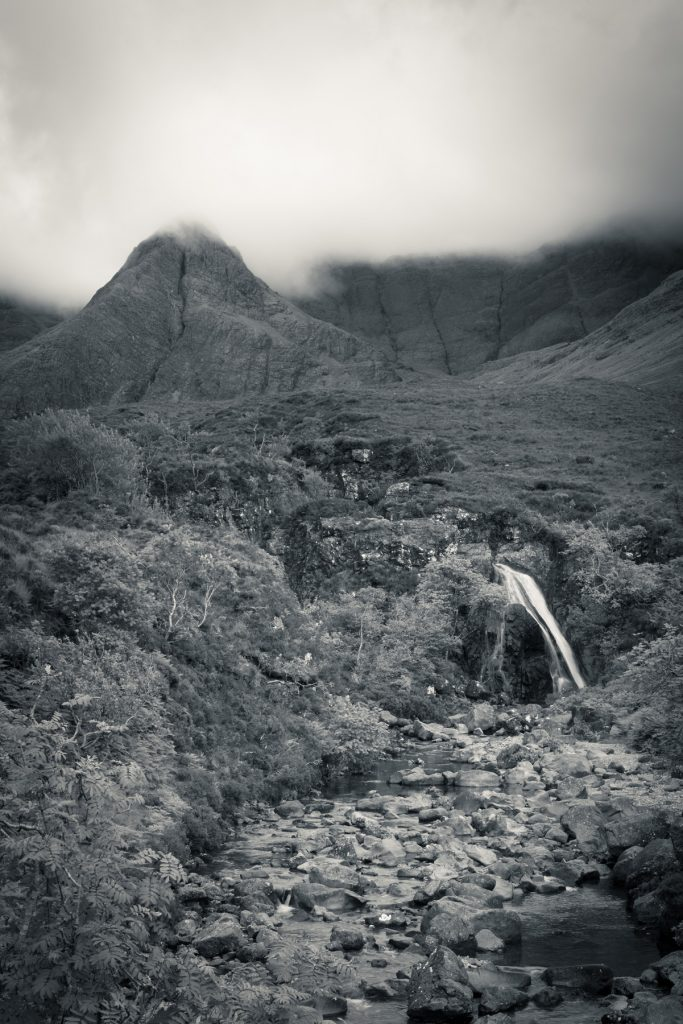 Stimmungsvolle Fairy Pools, Isle of Skye, Schottland