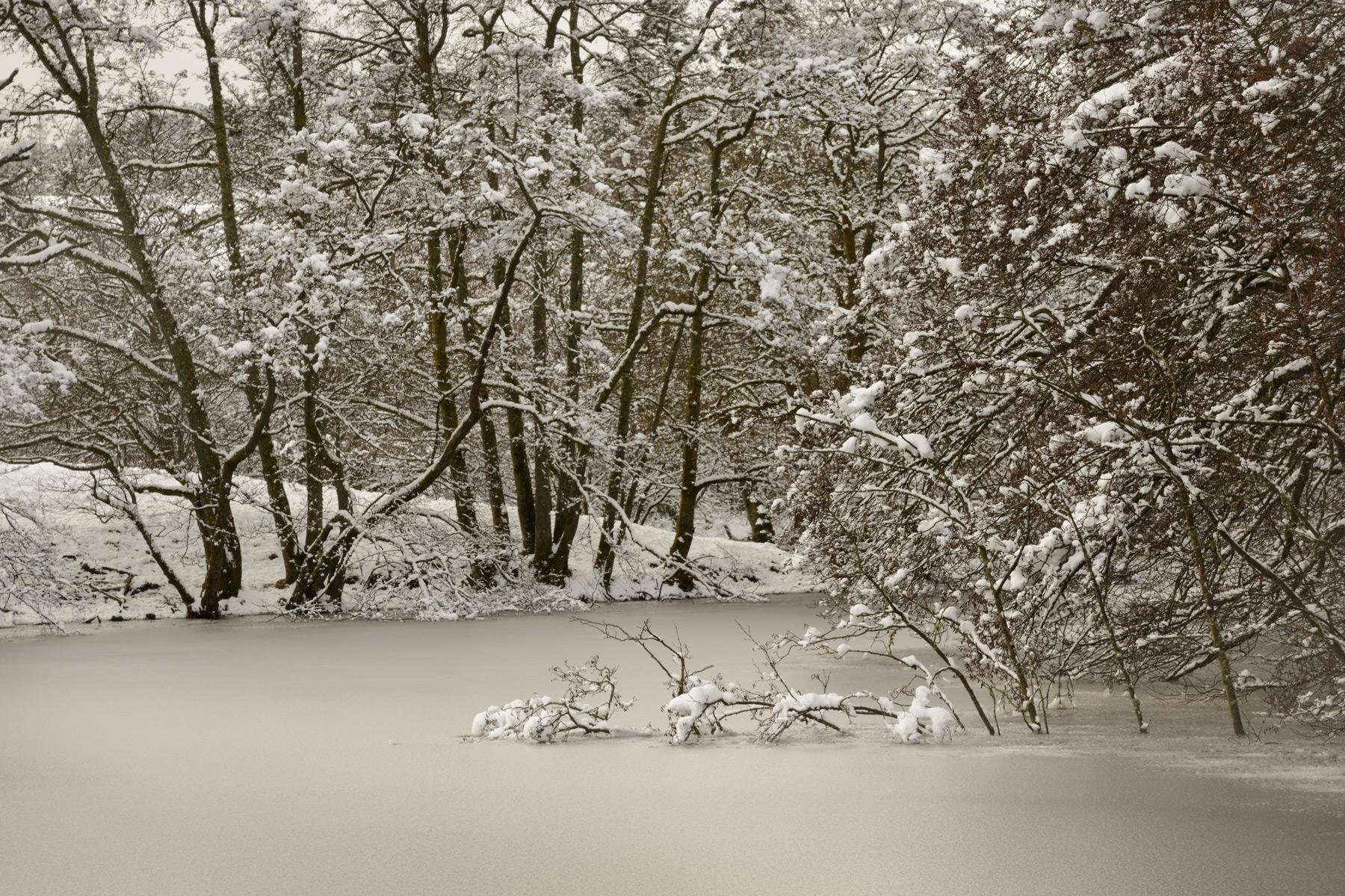 Winterstille, Loch Monzievaird, Schottland