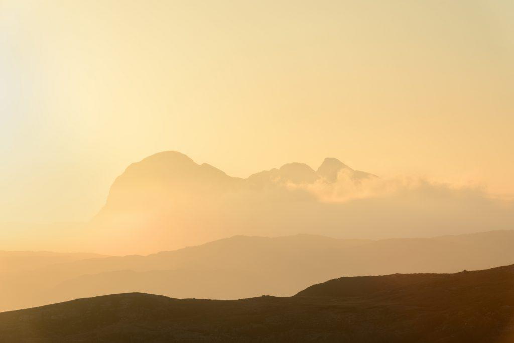 Suilven bei Sonnenaufgang