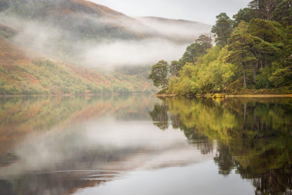 Spiegelungen am Loch Clair