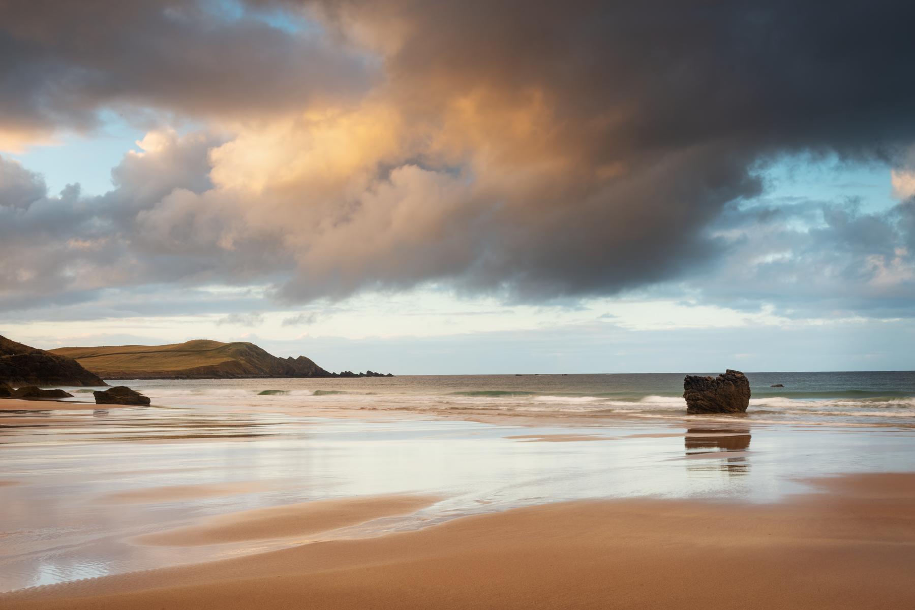 Regenwolken am Strand von Durness